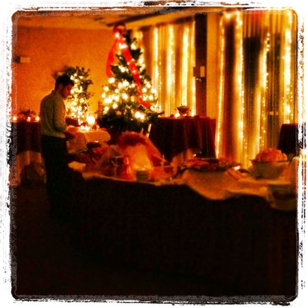 Courtyard Burlington Harbor: Perfect spot for a holiday party in the Harbor Room.