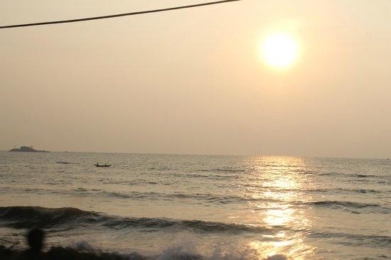 Eden Resort & Spa : Океан вечерний...