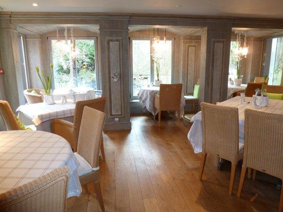 Hotel Le Moulin: Breakfast Room