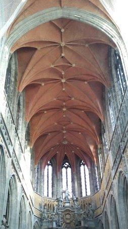 Basilique Saint-Hubert : Basiliek Saint-Hubert