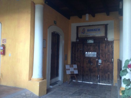 Rossco Backpackers Hostel: Entrance