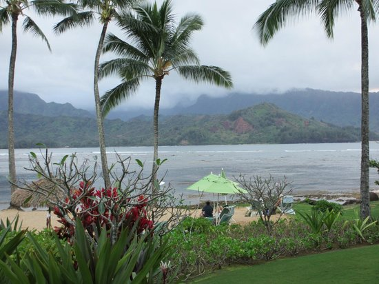 St. Regis Princeville Resort: View of the beach