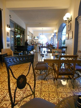 Gran Hotel Costa Rica: RESTAURANT SEATING
