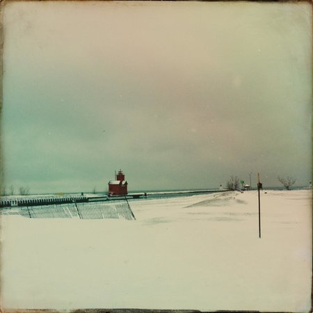 Holland State Park Beach : Big Red Lighthouse from Ottawa Beach State Park
