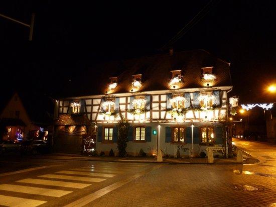 Le Cygne : The restaurant outside