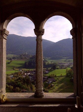 Hotel Schloss Sonnenburg: Fenster im Saal der Äptissin