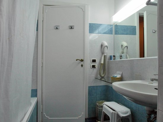 Excelsior Grand Hotel: Bagno Camera