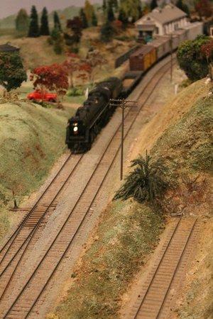 St. Jacobs & Aberfoyle Model Railway: here it comes!