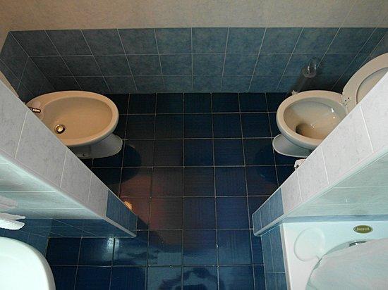 Excelsior Grand Hotel: Bagno Camera - particolare del water e bidé