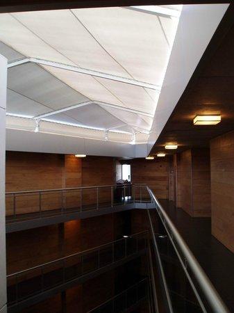 Costa Colonia Riverside Boutique Hotel: La grande toile recouvrant le patio intérieur