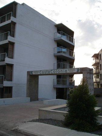 Costa Colonia Riverside Boutique Hotel: L'entrée de l'hôtel, pas aisée à trouver car dans Joaquin Torres Garcia