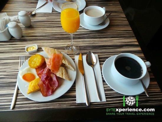 EPIC SANA Luanda Hotel: Breakfast