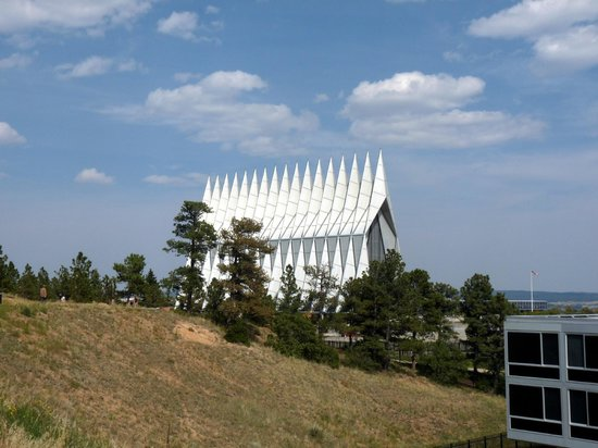 United States Air Force Academy : Modern Chapel, Gorgeous Setting