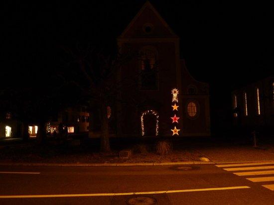 Hotel zur Therme: Kirche Zurzach mit Weihnachts Deko wie vor 50 Jahren