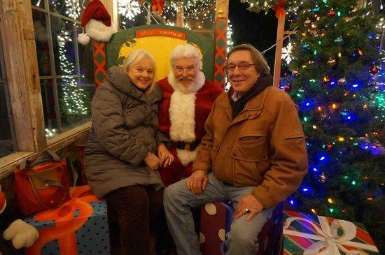 FogCatcher Inn: Cambria Christmas Market nearby