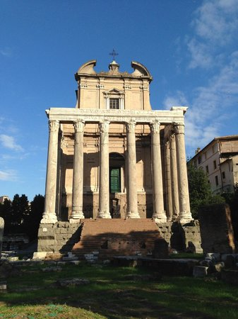 City Wonders: Roman temple