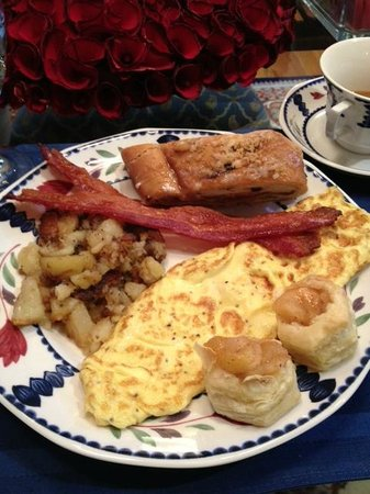 Point Clear Cottages : Our Breakfast on Monday Morning... Great Omlet!