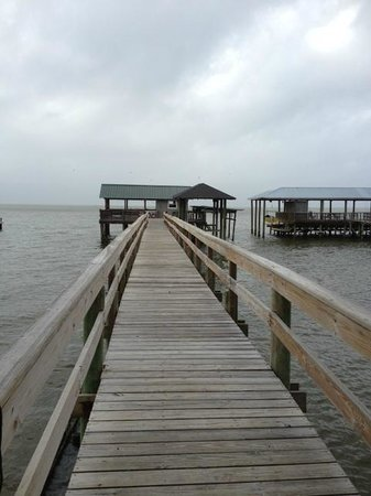 Point Clear Cottages: Covered Dock