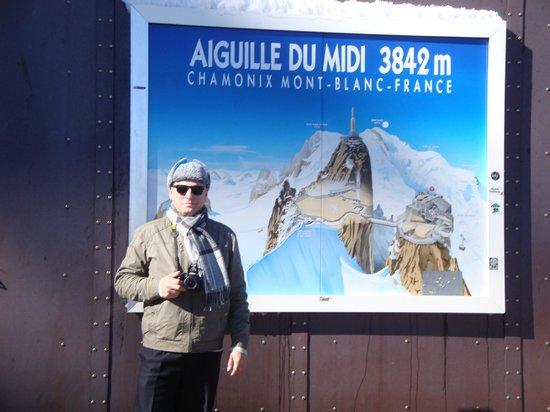Aiguille du Midi : Почти 4 километра. Красота. Дальше только пешком.