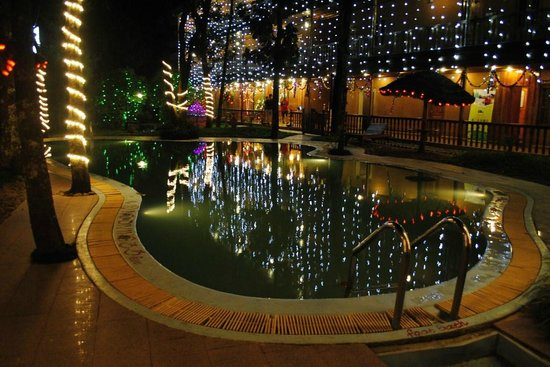 Thekkady - Woods n Spice, A Sterling Holidays Resort : Swimmng Pool
