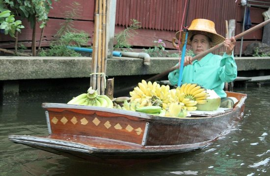 Damnoen Saduak Floating Market : Fruit Boats
