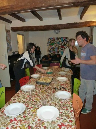 Il Nosadillo : Setting the table for the PASTA dinner