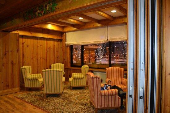 Hotel Rutllan: salon détente