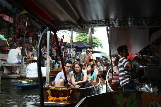 Damnoen Saduak Floating Market : It can get busy