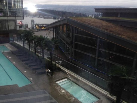 Fairmont Pacific Rim: Pool View from 8th floor