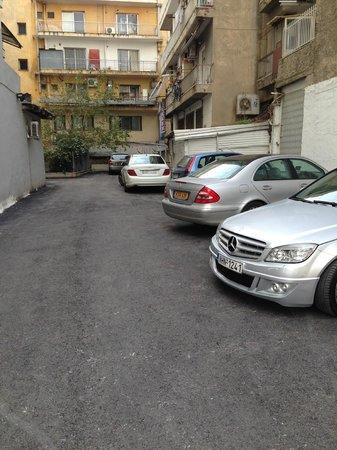 Rotonda Hotel: Hotel parking