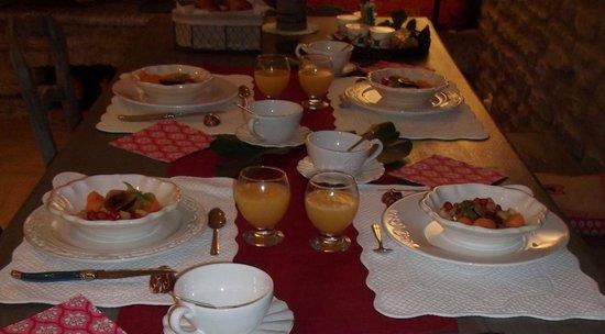 La Bastide du Vallon : Le petit déjeuner