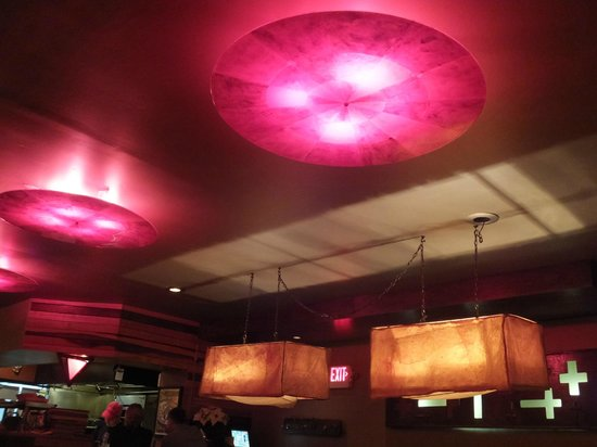 Momocho: Ceiling and Lights