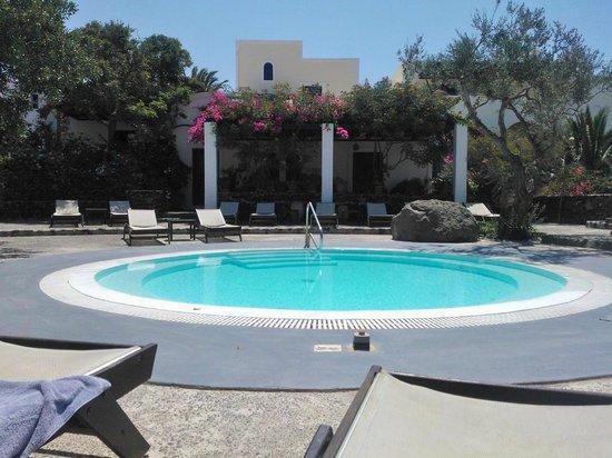 Vedema, a Luxury Collection Resort, Santorini: Piscina jacuzzi con Patio - Relax e pace