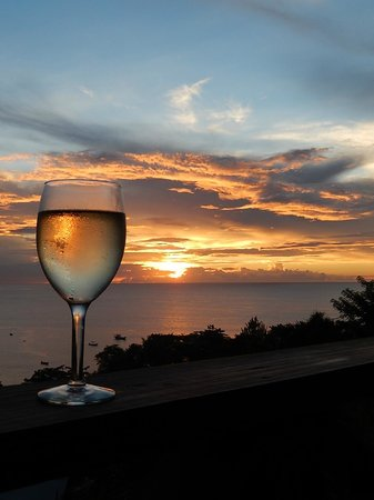 Carpe Diem Villa: A toast to another perfect day!