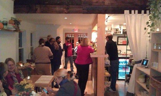 Lucky Hank's Restaurant & Cafe: Opening Night October 2012