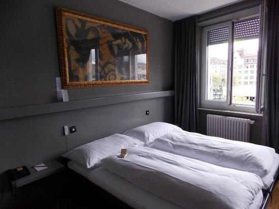 Hotel Limmatblick: Habitación
