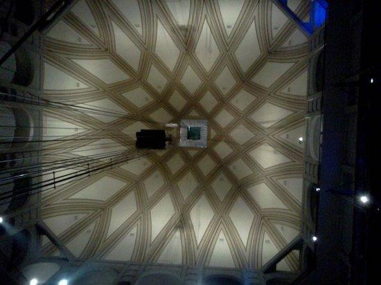 Mole Antonelliana: L'ascensore sospeso solo da cavi