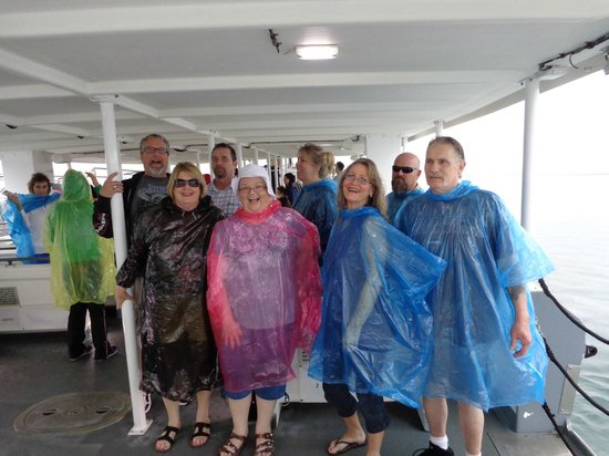 USS Arizona Memorial/WW II Valor in the Pacific National Monument : Rain didn't stop us!