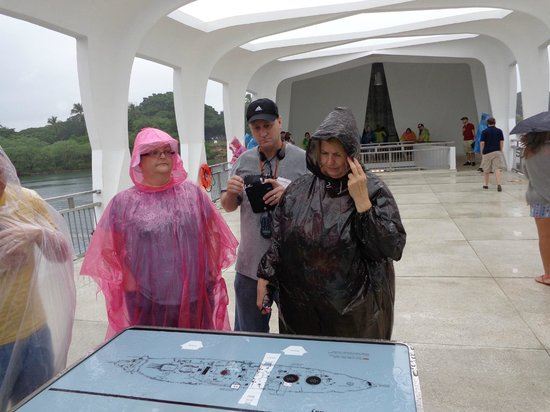 USS Arizona Memorial/WW II Valor in the Pacific National Monument : Raining, but 78 degrees