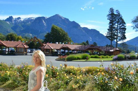 Llao Llao Hotel and Resort, Golf-Spa : desde la entrada