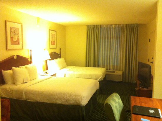 Fairfield Inn & Suites Atlanta Airport South/Sullivan Road : bed