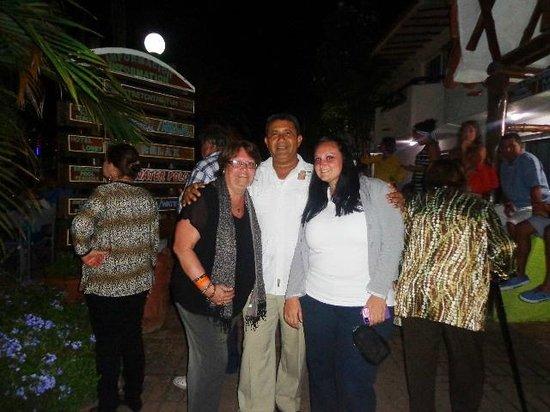 LD Palm Beach: Noche de Navidad en la zona de la piscina