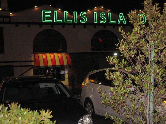 Ellis Island BBQ: Ellis Island