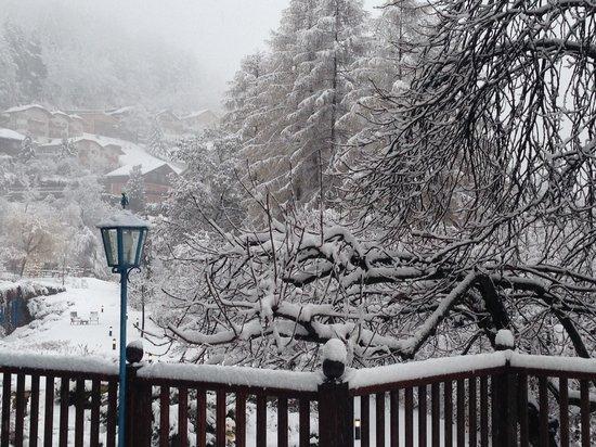 Hotel Condor: Dal terrazzo della stanza, sotto la grande nevicata di Santo Stefano