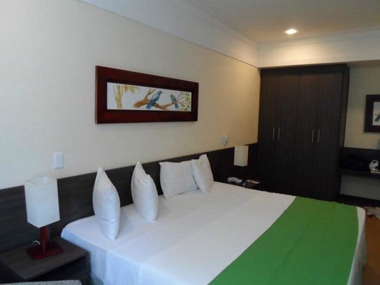 Tropical Manaus Ecoresort: cama grande