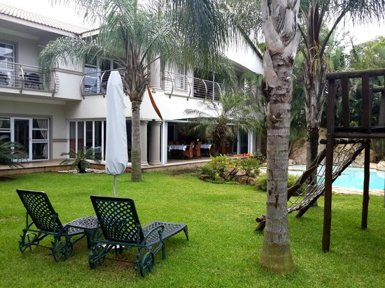 uShaka Manor Guest House: rooms and the peaceful surroundings