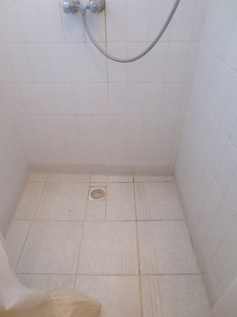 Hotel Les Matins Bleus : Bathroom