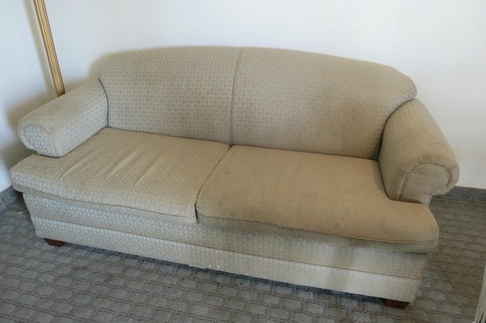 Days Inn & Suites Wildwood: Couch
