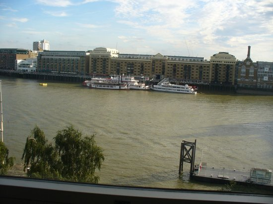 The Tower: Nice view over the Thames
