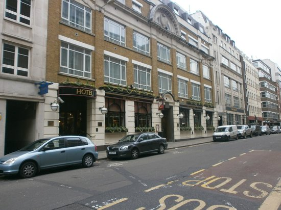 Chamberlain Hotel: the outside